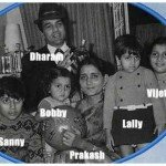 Sunny Deol With His Parents And Siblings- Vijeeta, Ajeeta, Sunny